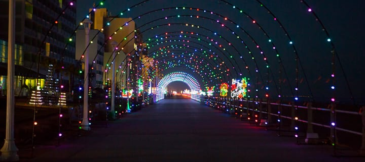 Virginia Beach hotel - events - Holiday Lights on the Beach