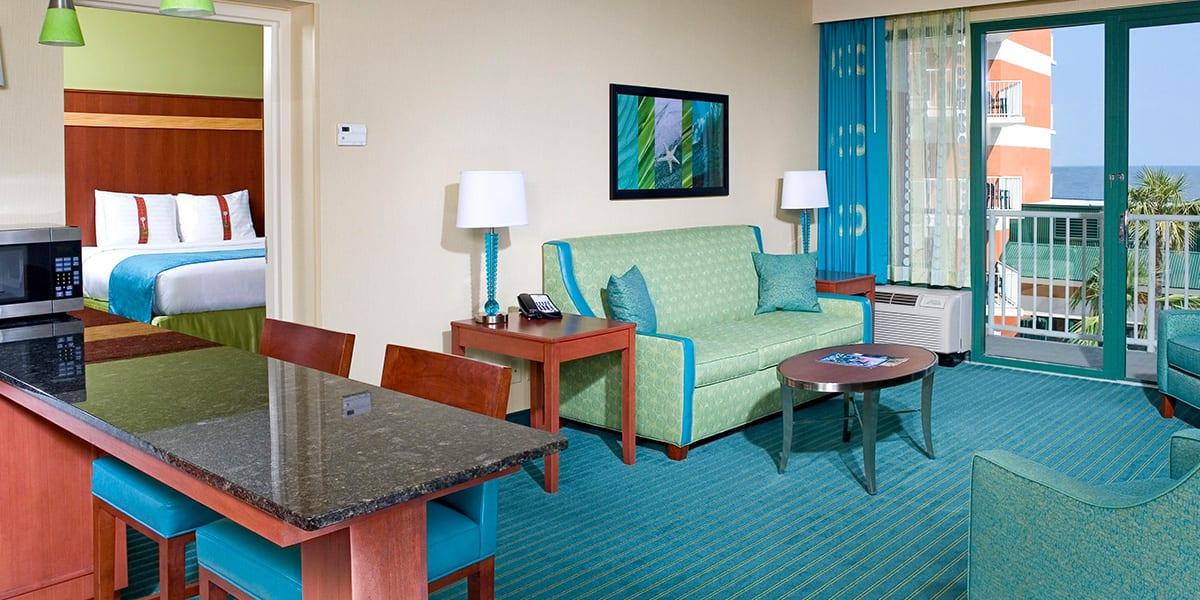Virginia Beach hotel - deluxe oceanfront king bed suite