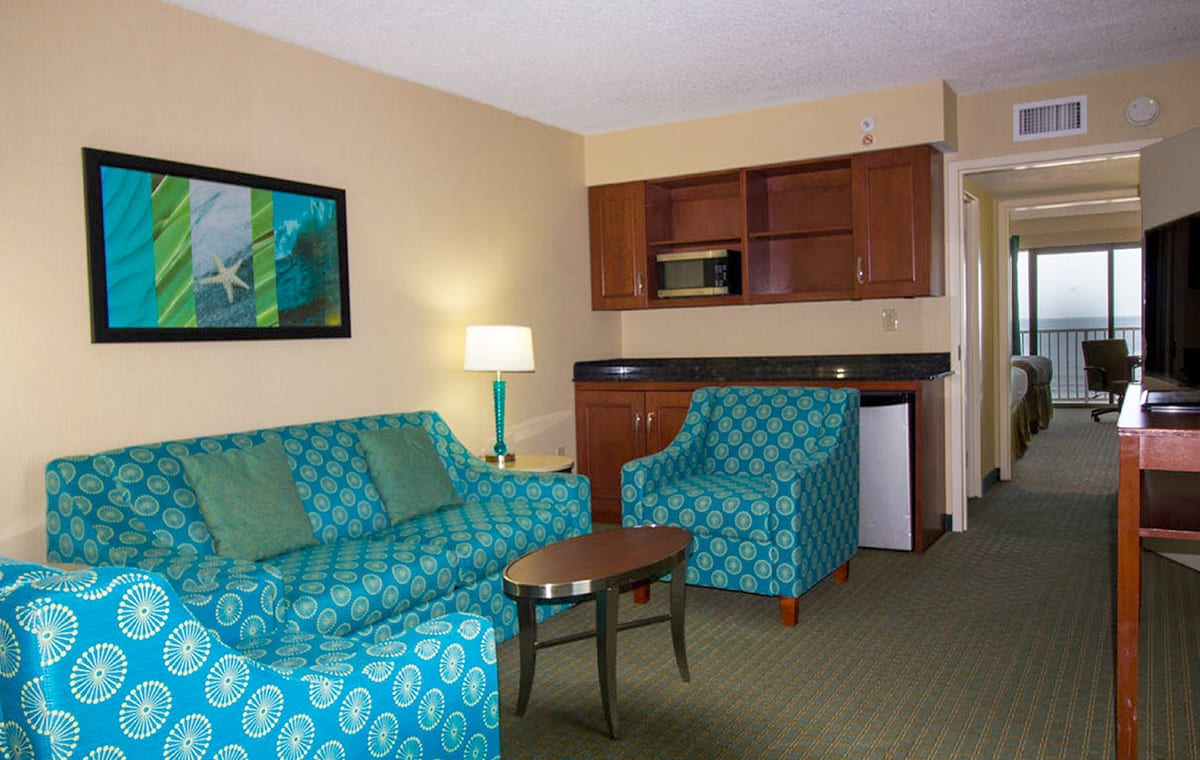 Virginia Beach hotel - oceanfront 2 queen bed suite
