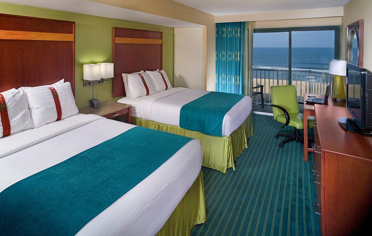 Virginia Beach hotel - 2 queen bed room