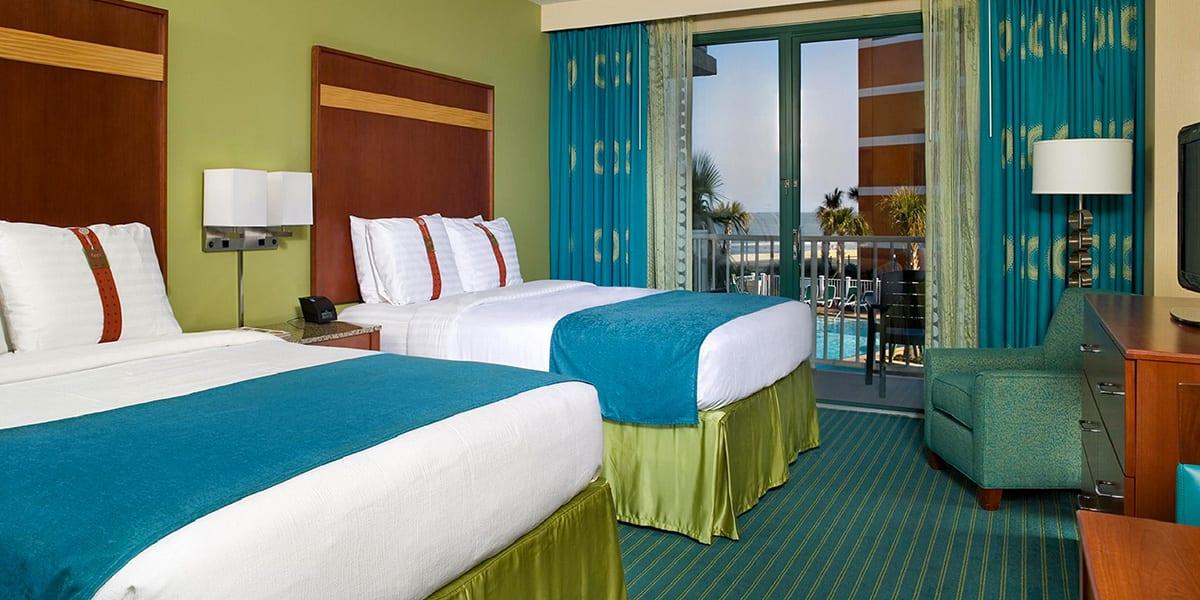 Virginia Beach hotel - poolside 2 queen bed room